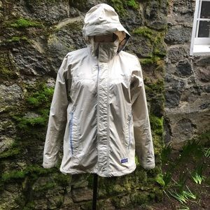 Patagonia women's size small hooded rain jacket